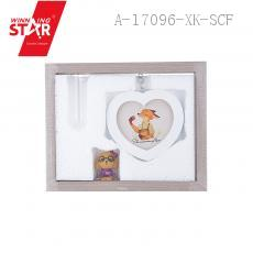 HW091 Love-shaped Photo Frame 25*20*4cm