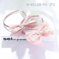 Three-Dimensional Bow Barrette